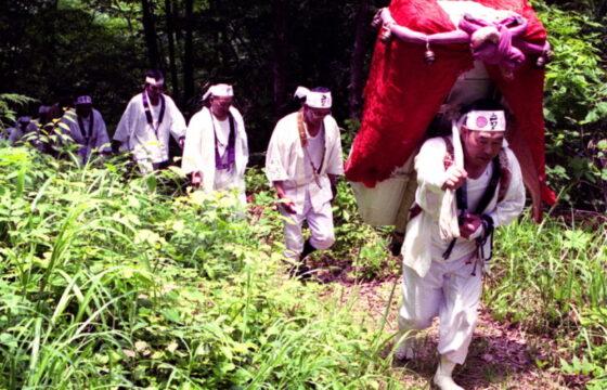奥之院開山祭(お山登り)
